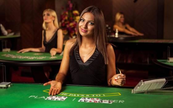 バカラをオンラインカジノで遊ぶメリット
